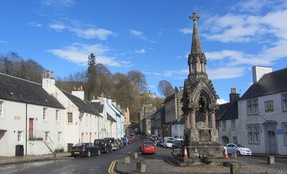 Dunkeld Square and High St parallel to the river